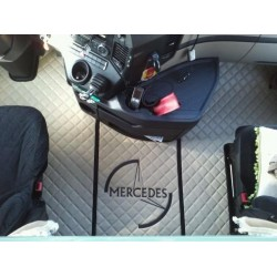 Capot moteur/ Tapis Skai pour Mercedes Actros 2012 avec logo.