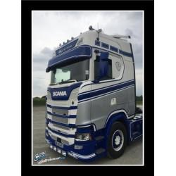 Visière polyester adaptable Scania NTG  350mm - 2 Emplacements de veilleuses