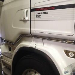 Kit tubes inox sous portes Scania avec leds + prolongations arrières.
