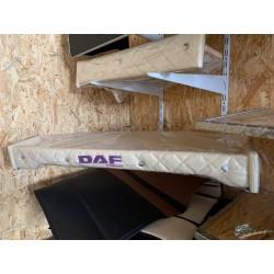 TABLETTE DAF XF 106 SKAI BEIGE AVEC LOGO VIOLET