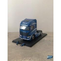 Maquettes Camions Iveco S-Way, vue de profil avec rétroviseurs