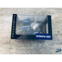 Maquettes Camions Iveco S-Way, vue sur le boîtier du Poids Lourd bleu